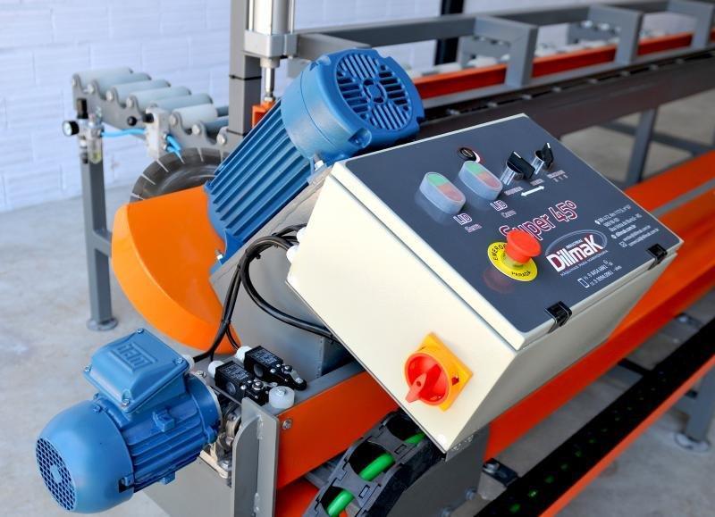 Maquina de cortar marmore em 45 graus